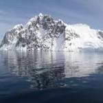 Escalada en las montañas de la Antártida.