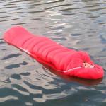 Mark convierte del primer mundo saco de dormir flotante